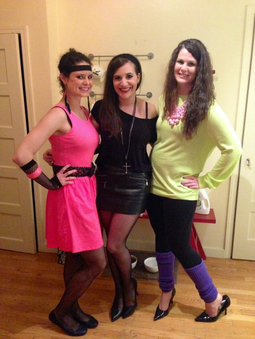 Katie had amazing fishnet gloves and Biz was rocking the cutest legwarmers.